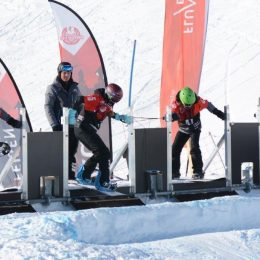 Snowboardcross action à Flumserberg