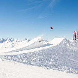 Lever de rideau sur le Davos Open – les tournées nationales de freestyle s'invitent dans les montagnes grisonnes